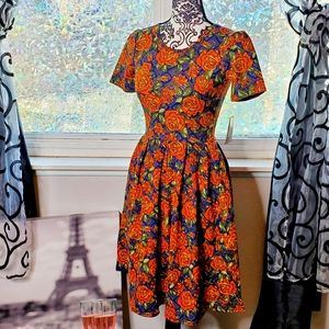 Lularoe Roses Amelia dress